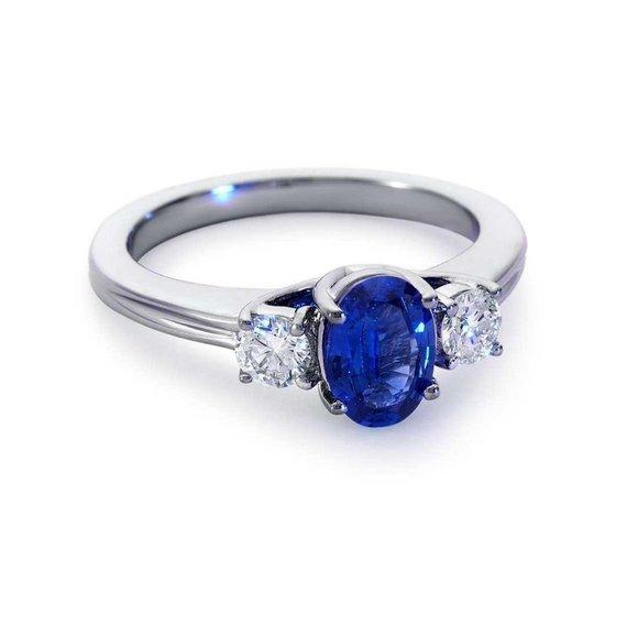 Jewelry - CEYLON SAPPHIRE with diamonds 3 stone 2.50 Carats
